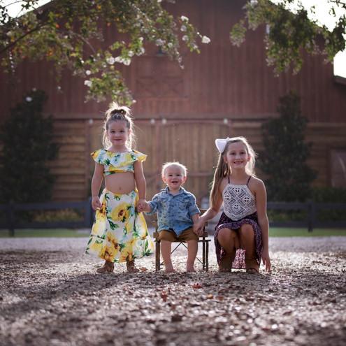 Milestone Photographer - Baby photo shoot - family photos
