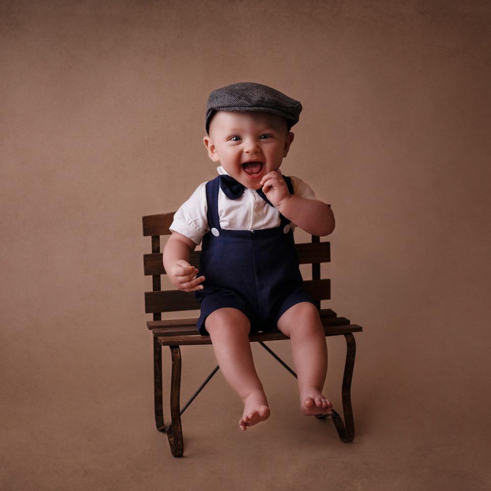 Milestone Photographer - Baby photo shoot - 6 month Portraits