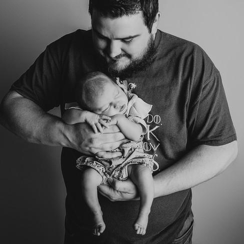 Newborn Pictures - Newborn Photographer - dad and baby.