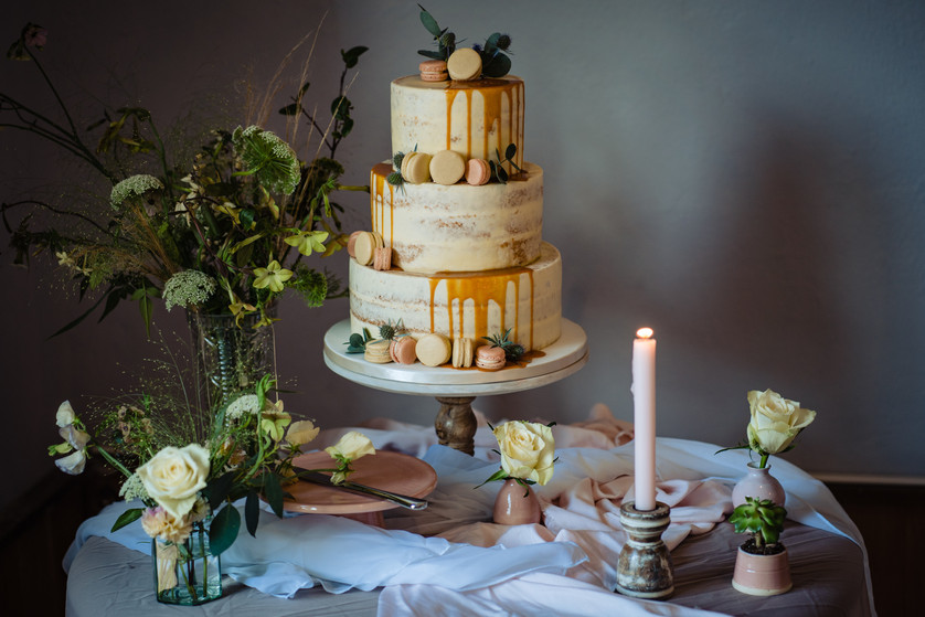 Relaxed wedding day styling at The Lamb Inn at Sandford