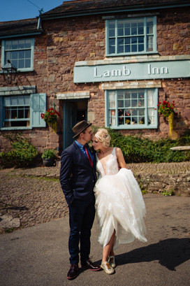 Runaway wedding at The Lamb Inn