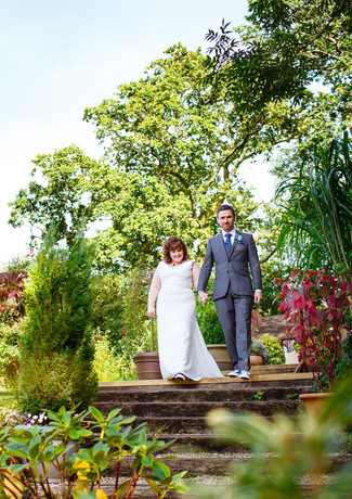 Stunning gardens for elopement photography at Millbrook