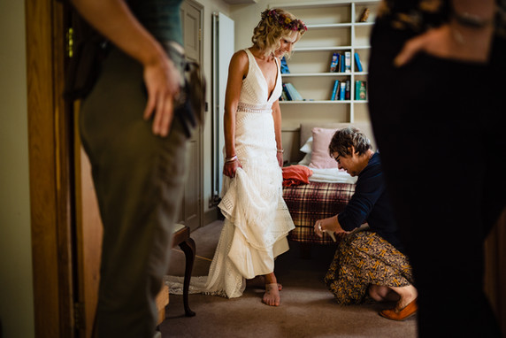 Elopement wedding at The Lamb Inn at Sandford