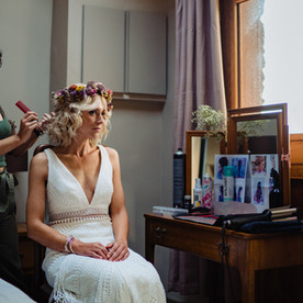 Bridal prep at The Lamb Inn