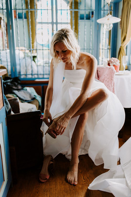 Bridal prep at Frieda and the Moon by Thomas Frost