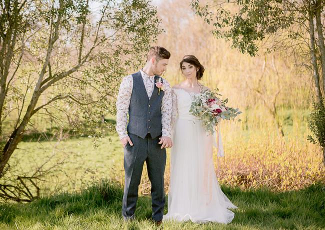 Devon wedding venue spring couple jennif