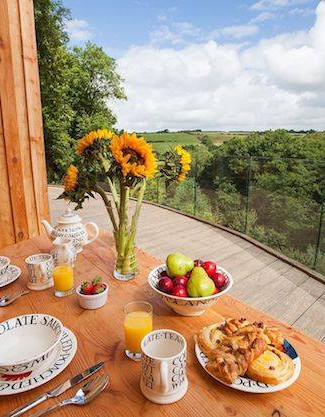 Breakfast With a View Tree Top Escape