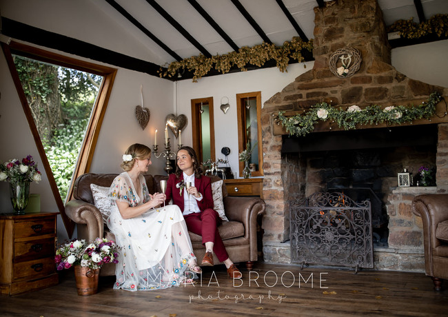Cosy Elopement Ceremony in the Summer House