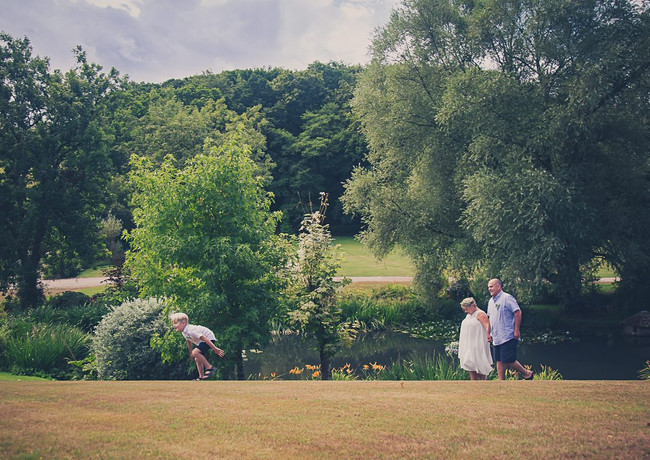 With 32 acres of woodland, lakes and gardens, Millbrook is perfect for away from it all elopements