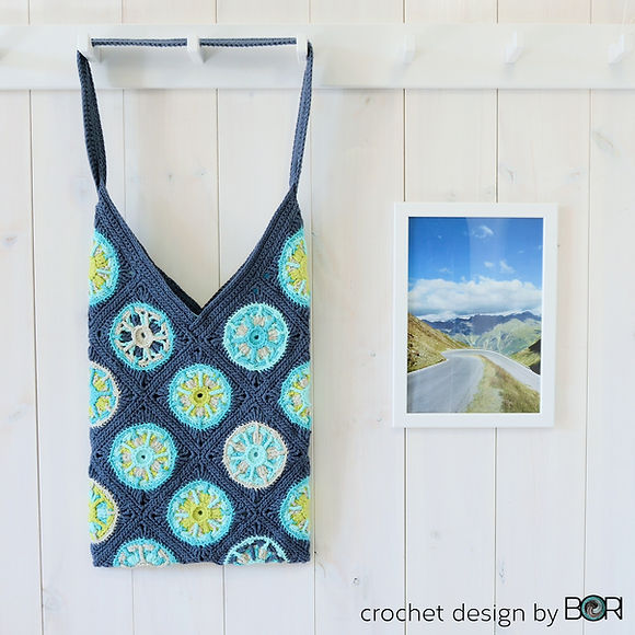 crocheted bag pattern from granny squares