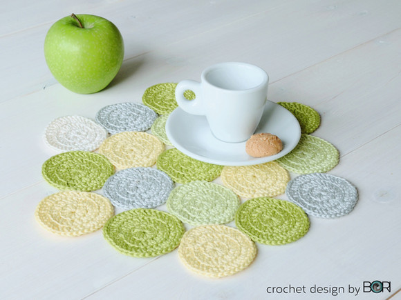 Free! - Green Apple Placemat Pattern