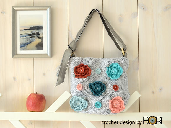 DIY crochet shoulder bag pattern.