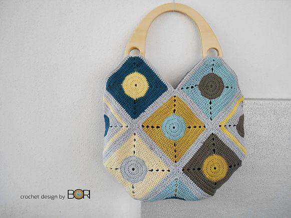 Handmade crocheted handbag pattern.