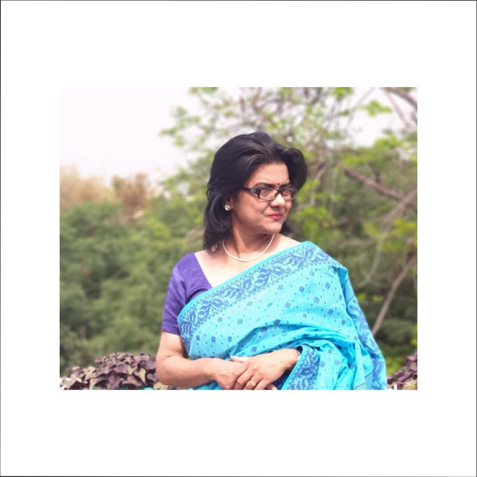 Blue Handwoven Bengali Jamdani Saree at www.indianartizans.com