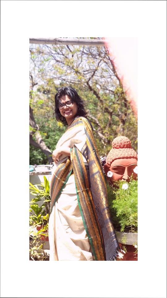 Handwoven Gadwal Saree from www.indianartizans.com