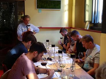 Corso di degustazione di vino con cena