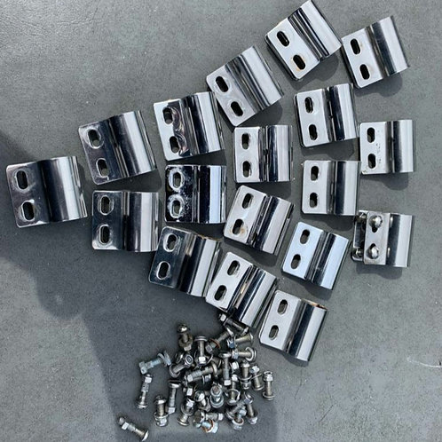 Used badge clips, with fasteners, in UK🇬🇧
