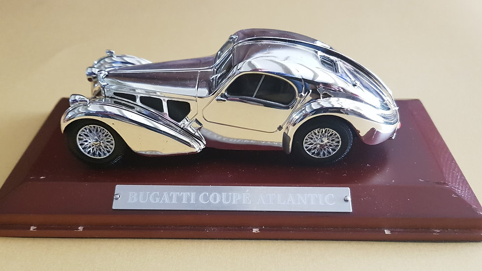 Bugatti Type 57 Atlantic scale model, side view
