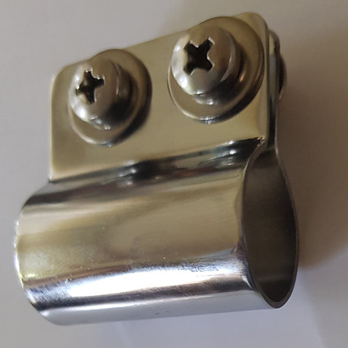 Car badge clip, complete with fittings