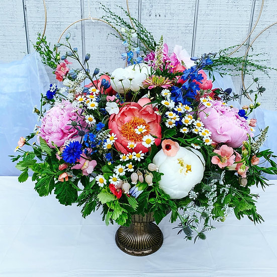 8 Weeks Floral Centerpiece (Delivery Included)