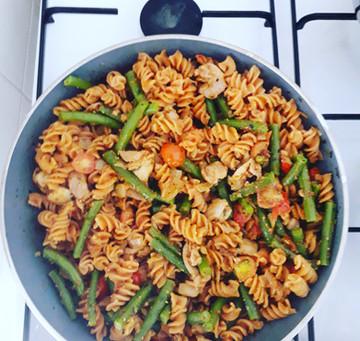 PuurMendel Recept: Fusilli met sperziebonen en rode pesto (gluten, zuivel, suikervrij, vega(n) optie