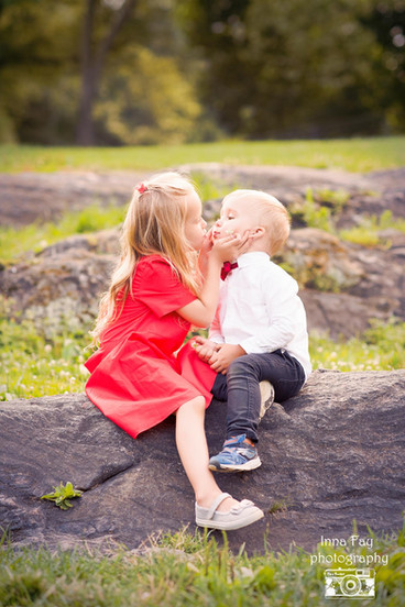 Best outdoor sibling session