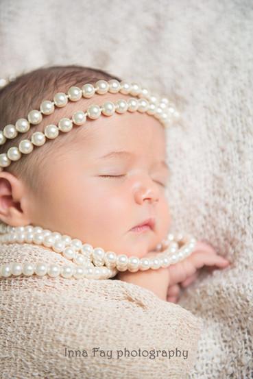 Styled newborn photo shoot in New York