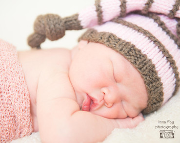 Beautiful memories! Newborn photo session for a baby girl