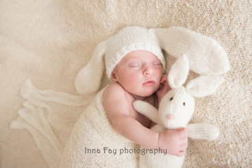 Newborn photo session for adorable baby girl
