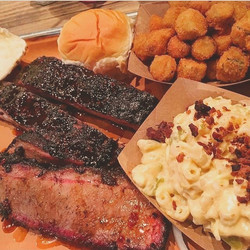 📍Dallas, Texas - My Favorite BBQ Is From Pecan Lodge In Dallas - The Loooong Line Was Worth It To G
