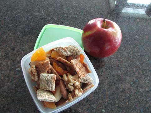 MODA Snack Pack & a Apple