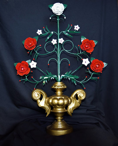 Very unique metal floral decor, hand painted.