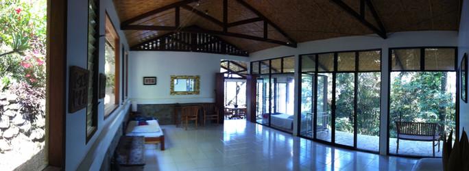 Bungalow Living/Lounge
