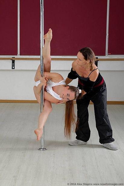 שיעור פרטי לריקוד על עמוד חיפה