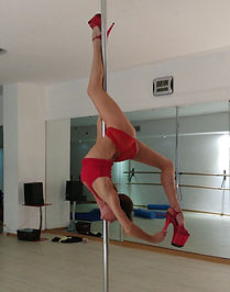 Cocoon pole dance