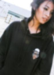 STHUG hoodie black 01