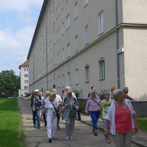In der Kauschstraße - die Arbeiterwohnblöcke von 1938/39. Walter Kausch war der bekannteste Arzt im benachbarten Viktoria