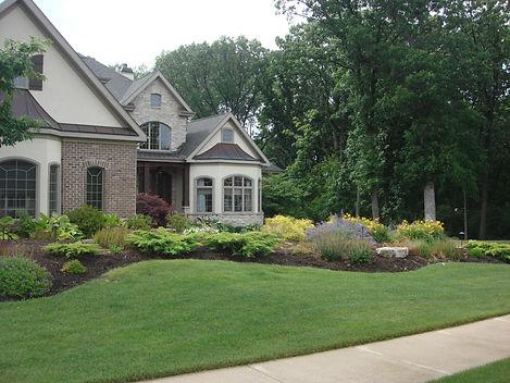 Adam's landscaping, landscape, maintnenance, mulching, raking, blowing, pruning, lawn, mowing, cutting, grass, trimming, bushes, Crown Point, Indiana