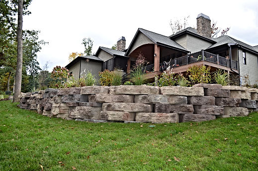 Crown Point, In Rosetta, Outcropping, retaining, wall. Rosetta landscape contractors, certified Rosetta installers, rosetta retaining wall experts