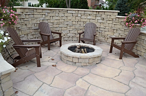Crown Point, IN, Rosetta Walls, Belvedere, Rosetta, walls, wall installation, retaining walls, natural walls, fire pit, natural fire pit installation, landscape, landscape contractor