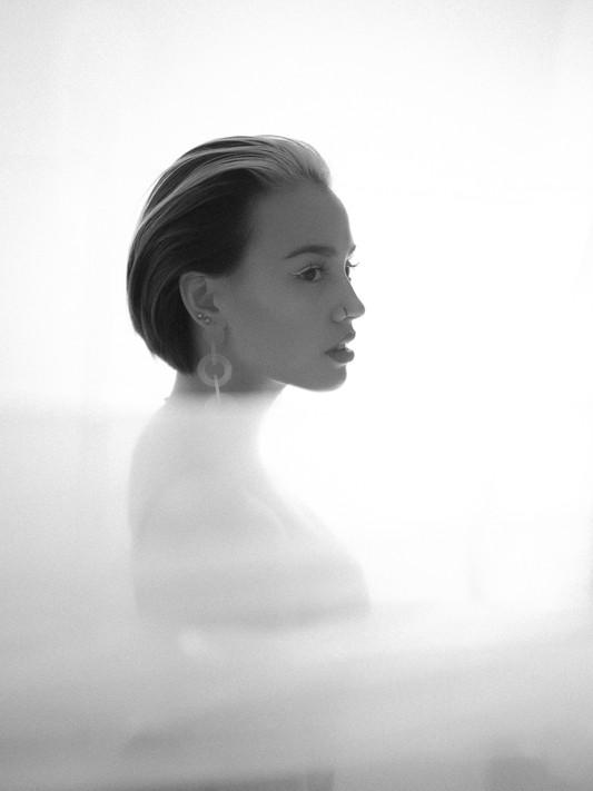 STREETVISION.NX - Vanessa - Portrait white