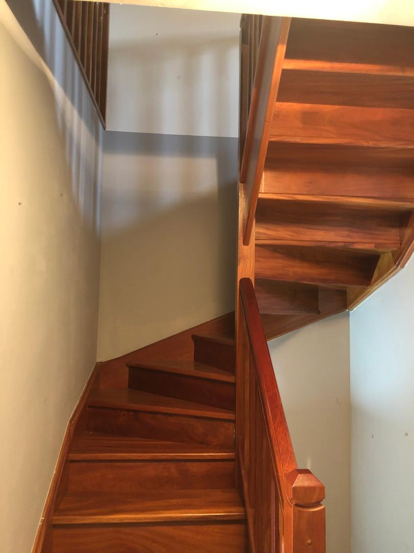 Escaleras de madera.JPG