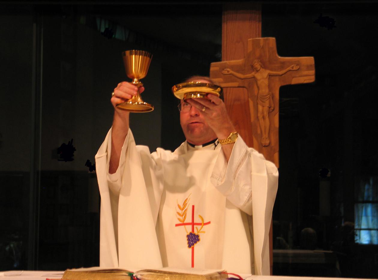 Fr Tom-small.jpg