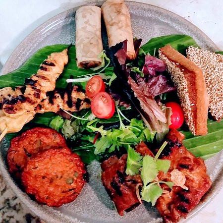 pra-thai-s-mixed-platter.jpg