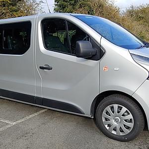 Renault Trafic 9 seat Minibus