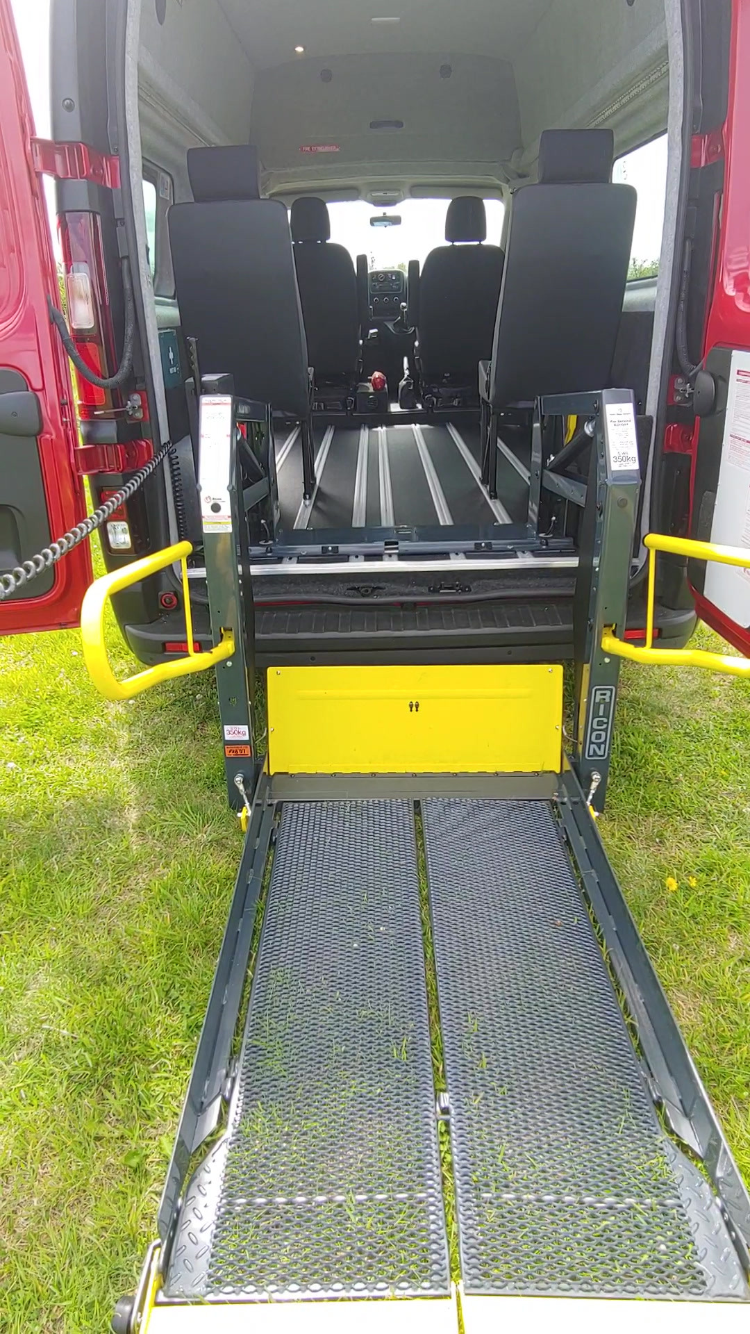 Ricon tail lift Renault Trafic