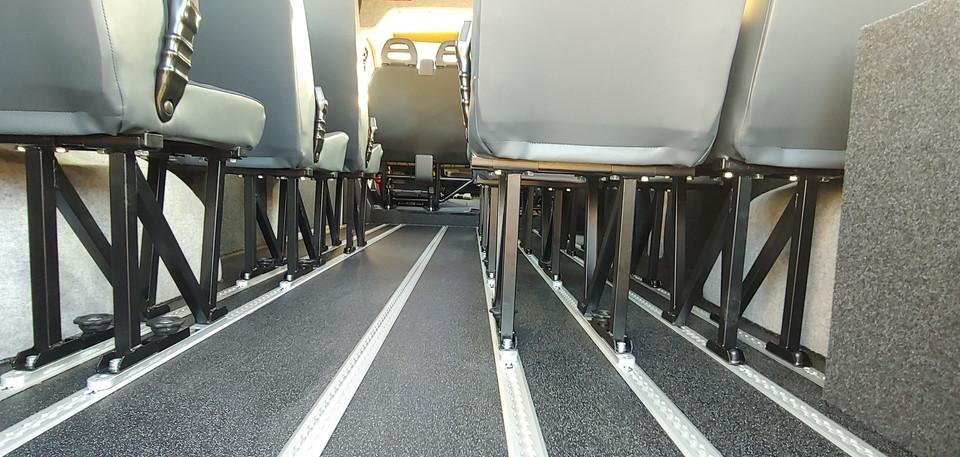 Fully compliant aluminium floor