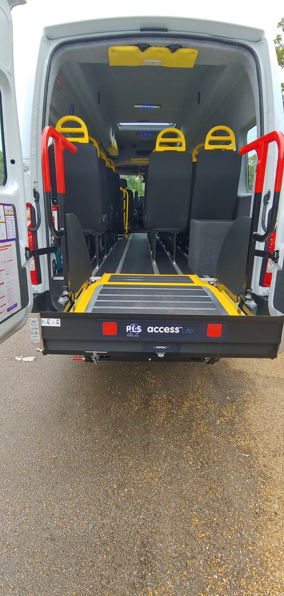 PLS Tail lift on Warnerbus conversion
