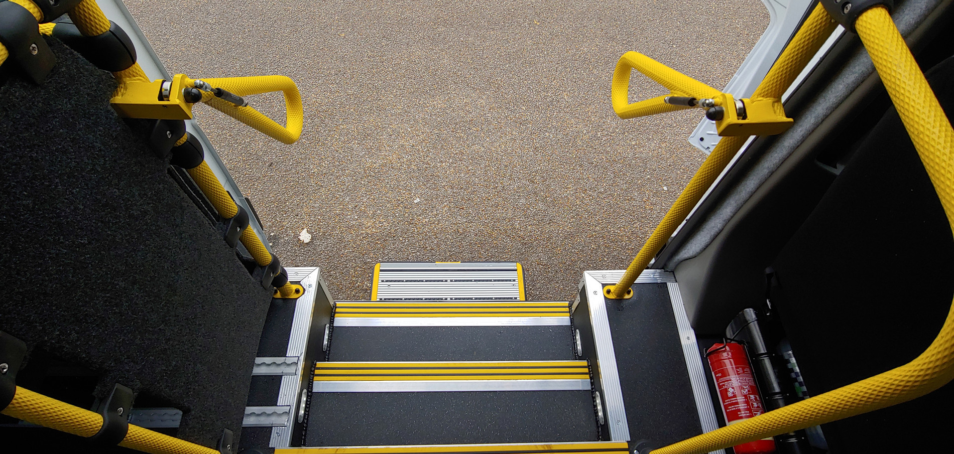 Side step access to Renault Master Minibus