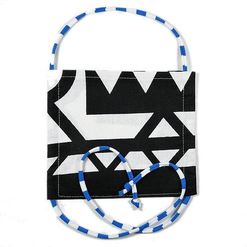 African Waxprint mit blau-weißem Bändel | Teens und Erwachsene
